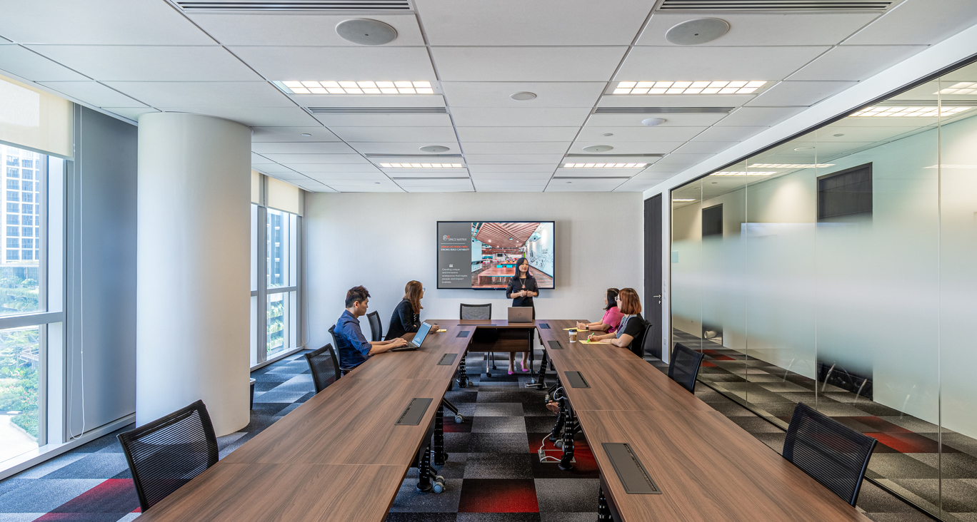 Digital collaboration and information privacy are both enabled in this modern office design
