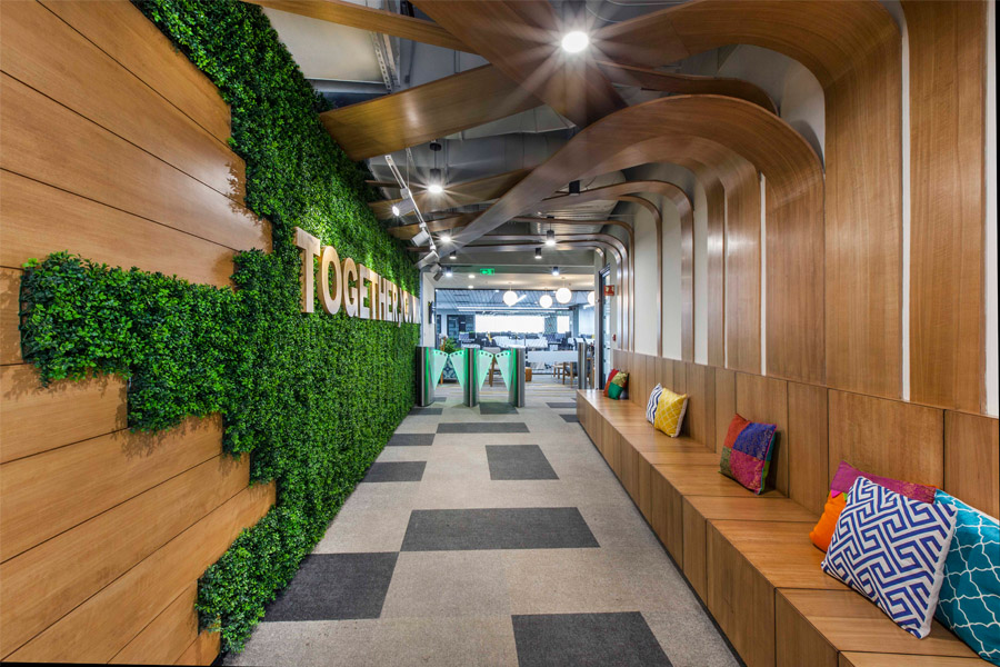 The biophilic office design trend in modern workplaces ...