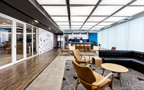 Modern office design for LinkedIn by Space Matrix
