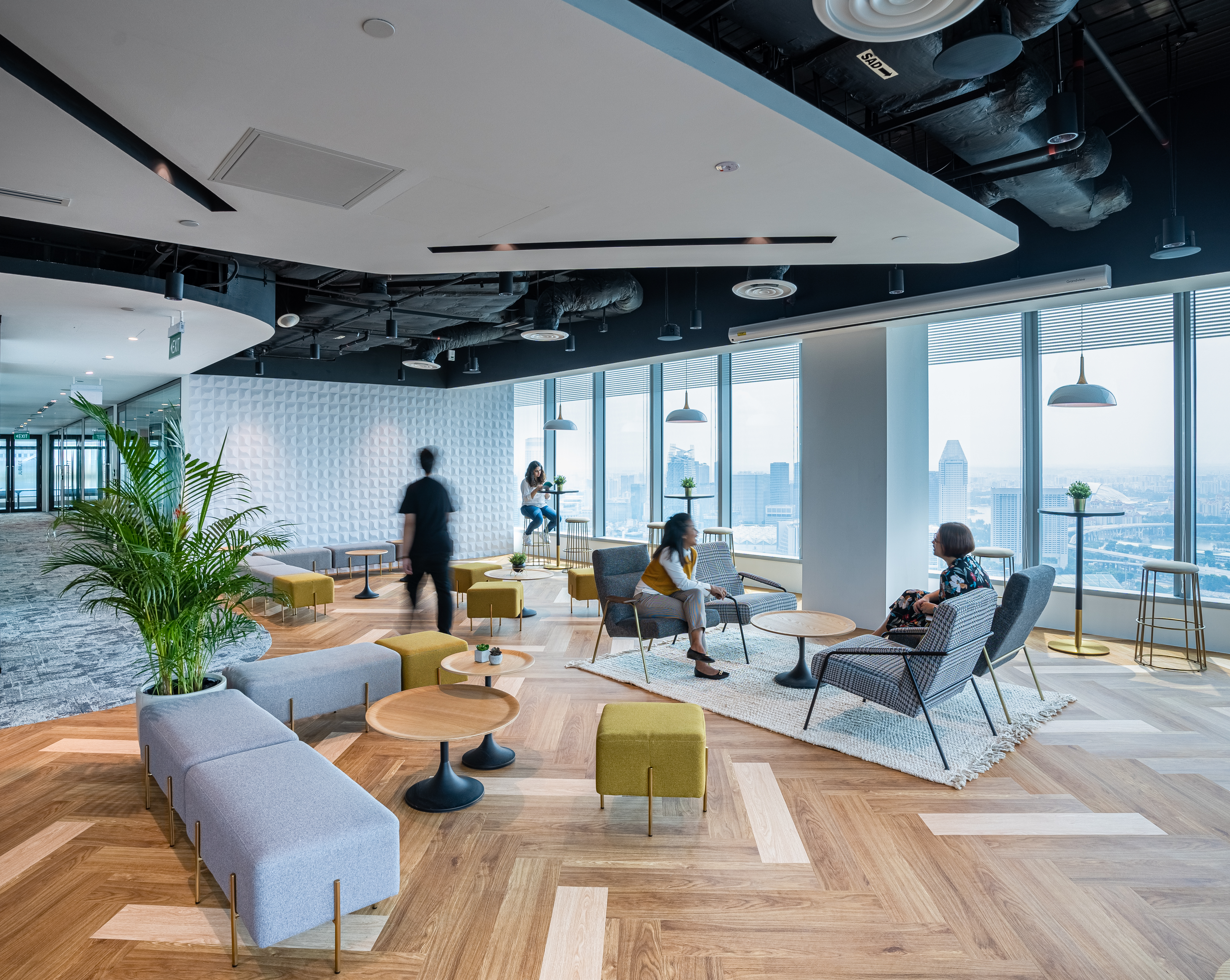 A hospitality-inspired design enabled us to create a space where employee can unwind and relax